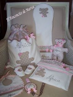 EL RINCONCITO DE MARISA Diy Baby Gifts, Newborn Gifts, Kit Bebe, Machine Embroidery Projects, Baby Box, Baby Sewing, Baby Patterns, Baby Boy Shower, Kids And Parenting