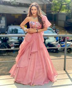 Indian Wedding Gowns, Party Wear Indian Dresses, Designer Party Wear Dresses, Indian Gowns Dresses, Indian Bridal Outfits, Indian Fashion Dresses, Dress Indian Style, Indian Designer Outfits, Designer Wear