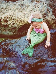 Okay, I'm not a mom and I'm not into baby things, but I do like this picture...