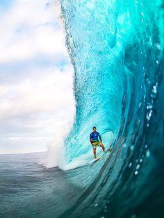 #LL @lufelive #surfing Gabriel Medina...
