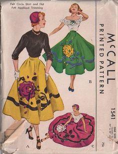 More applique skirt ideas, K. McCall 1541 Felt Circle Skirt and Hat with rose applique Applique Skirt, Rose Applique, Felt Applique, Vintage Dress Patterns, Mccalls Sewing Patterns, Vintage Skirt, Circle Skirt Pattern, Mode Vintage, Vintage Vibes