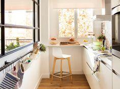 Cocinas pequeñas en línea: cuando los cm son oro