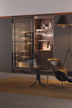 Who doesn't like to relax at the end of a long day with a glass of wine? The Arclinea Winery Collection creates tasting rooms and professional wine storage units for private clients, wine companies, restaurants, hotels and shops. Whether you've got a litt