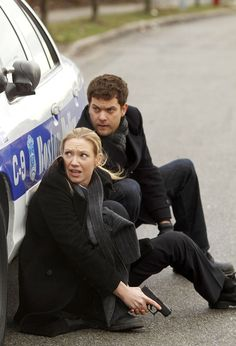 Olivia & Peter in trouble again in Fringe