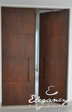 o que é aço corten - Pesquisa Google Doors Interior, Custom Interior Doors, Entrance Door Design, Garage Doors, Double Door Entryway, Entrance Doors, Steel Doors And Windows, Exterior Doors, Steel Doors