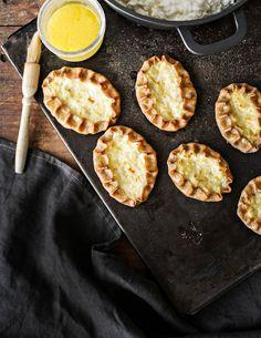 Karjalanpiirakat   K-ruoka Griddles, Griddle Pan, Yummy Food, Grill Pan, Delicious Food