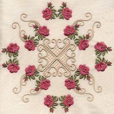 8x8 Elegant Miniature Roses Quilt - Elsas Designs | OregonPatchWorks