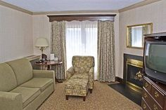 Brandywine River Hotel.Upto 25% Discount Packages.Near by Attractions   include Brandywine River Museum,Chadds Ford Winery,Nemours Mansion,Hagley Museum.   Free Parking and Free Wifi internet. Book your room and start saving with   SecureReservation. More info.- www.brandywineriverhotelpa.com/