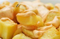 Patatas bravas eli paistetut chiliperunat
