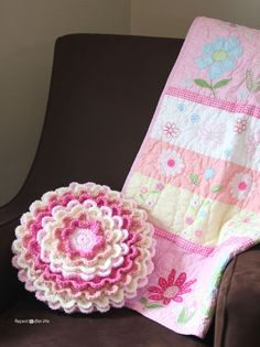 Blooming Flower Pillow free crochet pattern on Repeat Crafter Me at http://www.repeatcrafterme.com/2013/05/crochet-blooming-flower-pillow.html