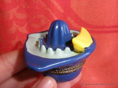 Cajita pastillero en semi-porcelana forma de exprimidor ideal coleccionístas