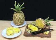 Guarda questo articolo nel mio negozio Etsy https://www.etsy.com/it/listing/533626333/pineapples-112-scale-miniature-for