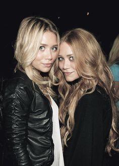Mary-Kate i Ashley Olsen - niby bliźniaczki, ale różnią się m.in. kolorem włosów :-)