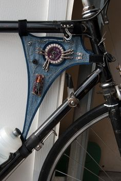 Arduino LilyPad Cyclocomputer by Mark Fickett. (2010) http://bit.ly/zaCgrV #arduino #bike