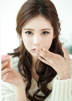 #ulzzang asian eye makeup...I'm not asian but have hooded eyes. Like the more natural/neutral palette here...