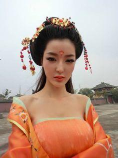 Wendy Lee - super auto model, actress. Dancing helps her keep tip top figure.