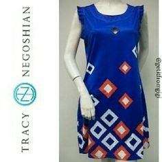 """TRACY NEGOSHIAN """"Lisa"""" Sleeveless Dress Size XS. In great pre-owned condition. Diamond cutout at bust and zippered pocket on right side. Mini. Tracy Negoshian Dresses Mini"""