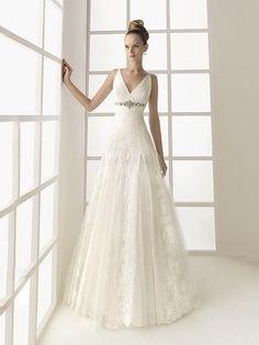 A-linjeformat V-ringning Sweep släp Bröllopsklänning Med Spetsar Applikation