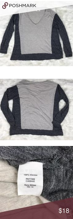 """Madewell gray colorblock long sleeve tee size XS Madewell all around long sleeve color block tee size XS. Boxy and oversized. Super soft and comfy. Gently used condition. Smoke free home. Armpit to armpit 20"""", length 24"""" Madewell Tops Tees - Long Sleeve"""
