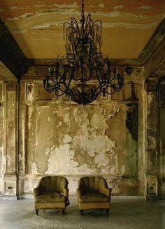 where is this?!  would be amazing for photo shoots  I've seen this before. I think it's a mansion in Cuba