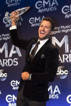 Luke Bryan won Entertainer of the Year at the annual CMA Awards at the on Nov. 2014 in Nashville, Tennessee. Luke Bryan Albums, Luke Bryan Concert, Luke Bryan Quotes, Country Song Quotes, Country Music Lyrics, Miranda Lambert Cma, Concert Quotes, Music Quotes, Like Bryan