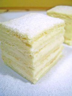 Alba ca zāpada Romanian Desserts, Romanian Food, Romanian Recipes, Cookie Recipes, Dessert Recipes, Lemon Layer Cakes, Sweet Tarts, Homemade Cakes, Easy Desserts