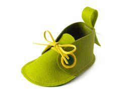 Green baby shoes - boys & girls - newborn soft booties, unisex baby gift crib shoes, baby slippers. $36.00, via Etsy.