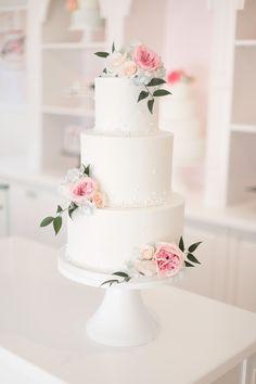 Pink Wedding Cakes Pink roses and blue hydrangea buttercream cake - Wedding Cake Fresh Flowers, Fresh Flower Cake, Black Wedding Cakes, Elegant Wedding Cakes, Cool Wedding Cakes, Beautiful Wedding Cakes, Wedding Cake Designs, Buttercream Wedding Cake, Rose Cake