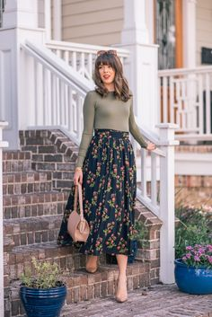 Casual Outfits Modest Summer Outfits # Casual # Modest # Outfits - Interesting Informations Skirt Outfits Modest, Women's Dresses, Dress Skirt, Dress Up, Floral Skirt Outfits, Trendy Dresses, Muslim Fashion, Modest Fashion, Fashion Dresses