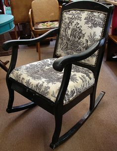 Vintage Black Toile Rocker Rocking Chair par CURIOSITYNC sur Etsy, $75,00