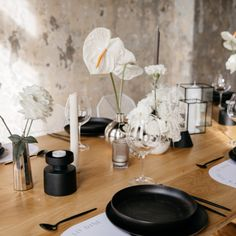Minimalist Wedding Vibes at Quay Project, New Zealand. Photographed by Ciara Mulligan Visuals. @theprettypropshop cutlery, @justmytype_nz stationery and @clickforhire glassware, @lydiareusser florals, @blackblazesydney candles | Ciara Mulligan Visuals is an Auckland based wedding photography studio. Ciara Mulligan Visuals imagery has a subtle, romantic imagery with a nostalgic film feel. Opening Day, Minimalist Wedding, Auckland, Engagement Shoots, Foxes, Cutlery, Tablescapes, Florals, Stationery