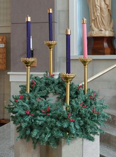 Our Lady of Lourdes Church, in Washington, Missouri, USA - Advent wreath Church Altar Decorations, Church Christmas Decorations, Christmas Advent Wreath, Advent Wreaths, Reindeer Christmas, Christmas Crafts, Christmas Flower Arrangements, Christmas Flowers, Christmas Candles