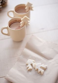 Marshmallows in hot chocolates are so last year. We're making cut out cookies to go with our delicious drinks. Now you can fill your belly with lots of Christmas cheer. Christmas Tree Cookies, Noel Christmas, Christmas Goodies, All Things Christmas, Winter Christmas, Christmas Wedding, Xmas Tree, Christmas Biscuits, Xmas Cookies