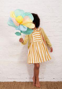 WLKMNDYS // happy Monday DIY // Flower Pops Einladung #kidsparty #invitation #einladung #kindergeburtstag Foto @anne_deppe