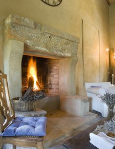 How To Enhance Your Rustic Home Decorating Theme? – Rustic Home Decor Italian Home Decor, Rustic Italian, Fireplace Mantle, Fireplace Design, Rumford Fireplace, Fireplace Surrounds, Rustic Stone, Country Interior, Home Goods Decor