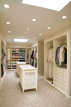Vestidores en blanco [] White walk-in closets