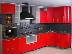 Red kitchen, love the city scape background. Red Kitchen Cabinets, Kitchen Cupboard Designs, Kitchen Room Design, Modern Kitchen Design, Interior Design Kitchen, Kitchen Decor, Beautiful Kitchen Designs, Best Kitchen Designs, Beautiful Kitchens