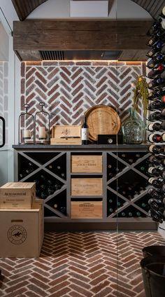 Wine Cellar Modern, Glass Wine Cellar, Home Wine Cellars, Wine Cellar Design, Wine Bar Design, Wine Shelves, Wine Storage, Storage Ideas, Wine Cellar Basement