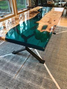 This beautiful resin table is sold but it is a good .- Diese schöne Harz-Tisch ist verkauft, aber es ist ein gutes Beispiel für die T… This beautiful resin table is sold but it is a good example of the T - Resin Furniture, Furniture Design, Furniture Ideas, Backyard Furniture, Furniture Market, Outdoor Furniture, Unique Furniture, Table Furniture, Wood Resin Table