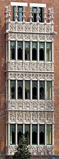 Barcelona - Diagonal 420 09, Casa de les Punxes, 1905, Architect: Josep Puig i Cadafalch, by Arnim Schulz