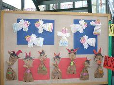 Andílci a čerti San Antoni, Art For Kids, Crafts For Kids, Xmas Decorations, Christmas Art, Winter, Advent Calendar, Santa, Holiday Decor