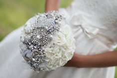 15 Brooch Bouquet Beauties from Etsy