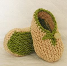 Knitting Pattern (Pdf file) - Slippers two colour for Baby (sizes - 0-3/3-6/6-9 month), via Etsy.