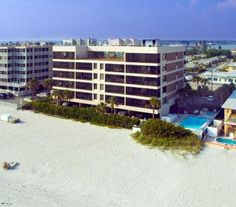 Chambre condominium 402 vacation rentals in madeira for Chambre condos madeira beach florida
