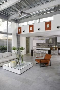 General, Industrial Open Plan Living With Palm Fronds: Elegant Floral Arrangements in Your Homes