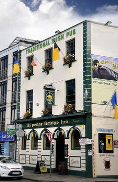 Ha'Penny Bridge Inn, an old style Dublin pub.