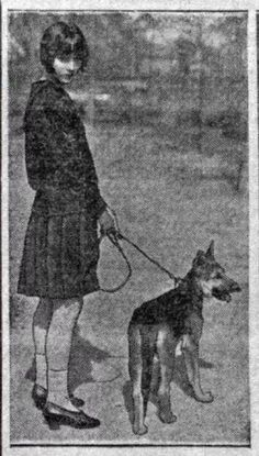 Louise Brooks with a dog, rare pic