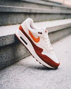 "separation shoes 9ddfe a28e8 The Sneaker One on Instagram  ""NIKE AIR MAX 1 SAIL VINTAGE Ya disponibles  en tienda y online. Link in bio.  nike  airmax1  vintage  tso"""