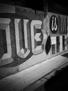 https://flic.kr/s/aHskCEivYN | Graffiti, Buenos Aires (132) | Graffiti, Buenos Aires (132)