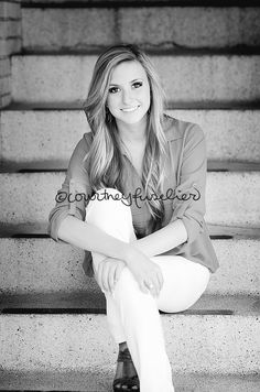 » Courtney Fuselier Photography senior girl pose @Kaelyn Seidenberger  I can see this pose with you